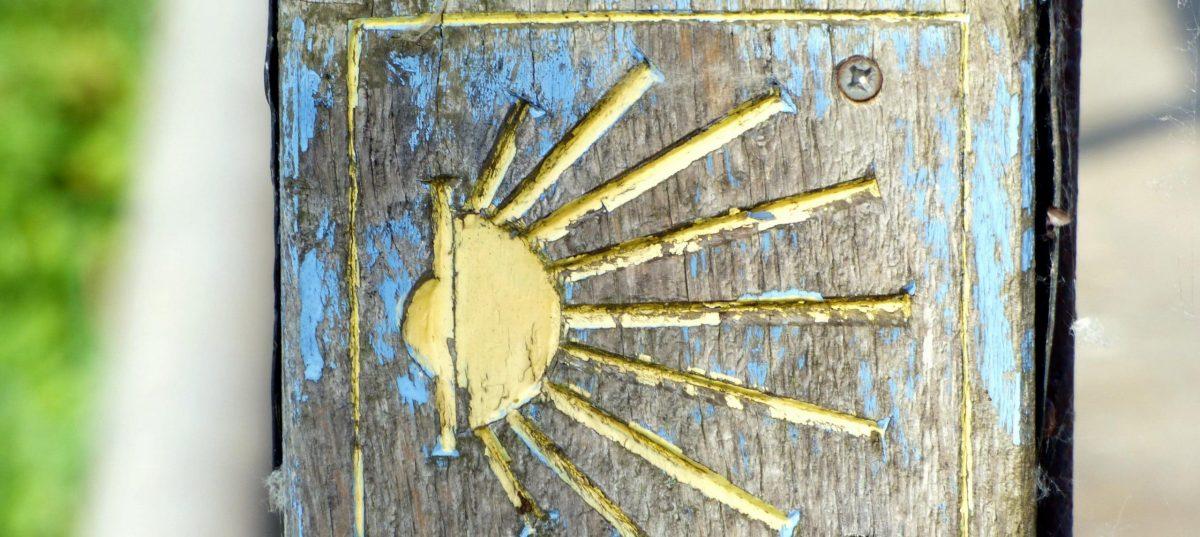 Volet en bois soleil compostelle
